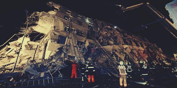 Gempa Taiwan 6.4 SR  foto bagunan runtuh dan korban semakin bertambah