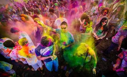 Yang Harus Kamu Ketahui Dibalik Perayaan Festival Holi di India