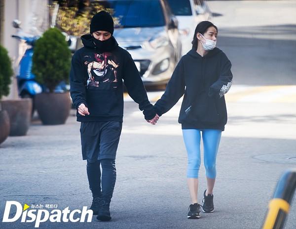 Romantisnya Taeyang dan Min Hyo Rin Gandengan Tangan di Tempat Publik