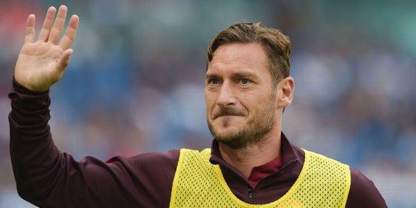 Tak Diperpanjang AS Roma, Fransesco Totti Hengkang ke Leicester City