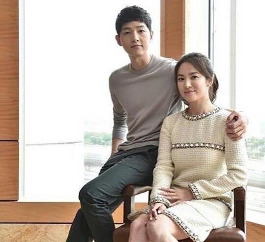 Song Song Couple in Hong Kong