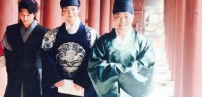 "Tampannya Park Bo Gum Jadi Putra Mahkota ""Moonlight Drawn By Clouds"""