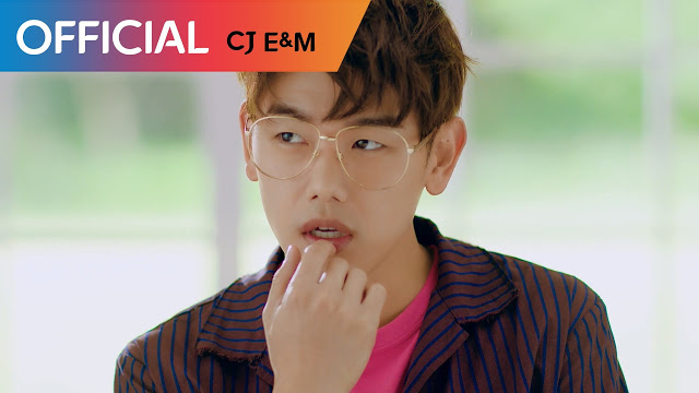 """Nyanyikan Lagu Pop Rock, MV """"Can't Help Myself"""" Eric Nam Bikin Gemas"""