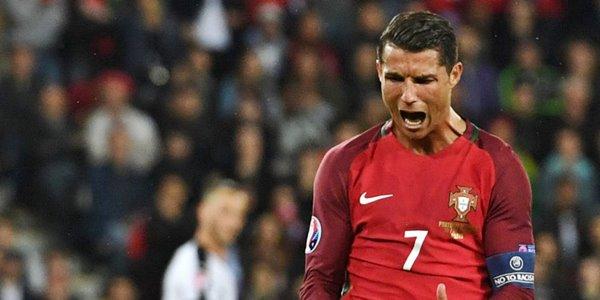 Portugal Juara Euro 2016, Cristiano Ronaldo Lebih Beruntung dari Messi