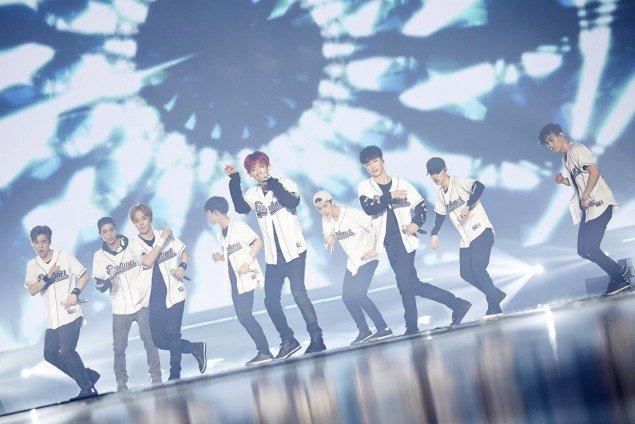 """EXO Pecahkan Rekor (Lagi) Lewat """"EXO PLANET #3"""""""