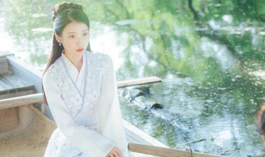 Cantiknya IU Tersesat di Era Dinasti Goryeo