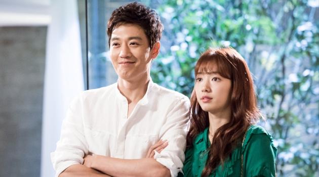 Tampilkan Chemistry Luar Biasa, Kim Rae Won Puji Akting Park Shin Hye