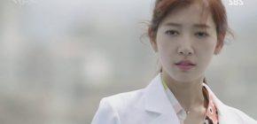 Park Shin Hye Pakai Nail Art Saat Jadi 'Dokter', SBS Minta Maaf Ke Netizen