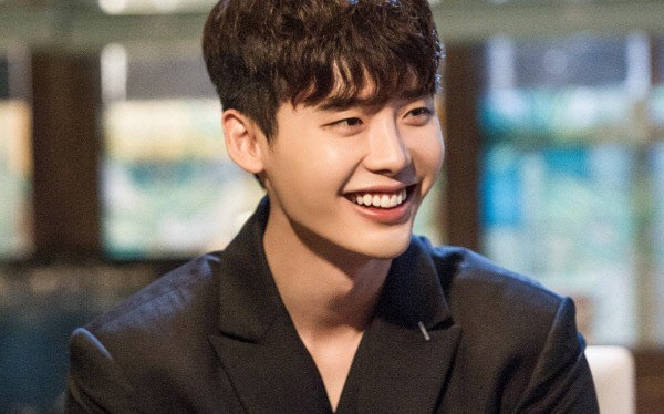 Lee Jong Suk dan Suzy Miss A bakal beradu akting di drama 'While You Were Sleeping'