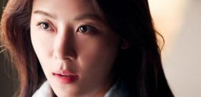 Pakai Gaun Blink-blink, Ha Ji Won tampil Seksi di Red Carpet MAMA 2016