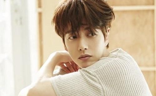 Park Hae Jin Kencan Romantis di Still Cut 'Man to Man'