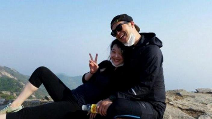 Sulli dan Choiza Dikabarkan Putus, SM Entertainment Angkat Bicara