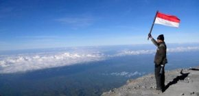 Tantang Adrenalinmu Dengan Jelajahi Gunung – Gunung di Malanggunung semeru