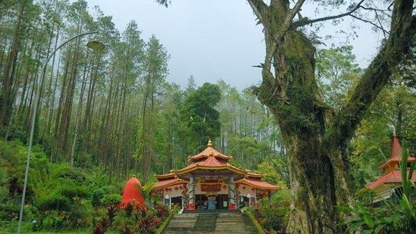 keindahan di gunung kawi