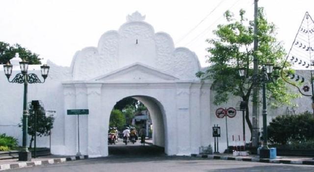 Perjalanan Makin Seru dengan Travel dari Jakarta ke Jogja